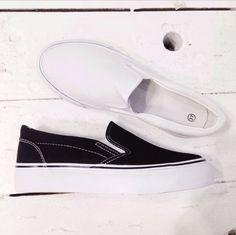 Slipon simil Vans #black and #white in tela ❤️ 29,90 euro