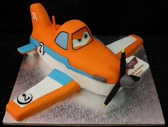 disney airplane cake | dusty from disney planes cake