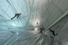 tomàs saraceno - on space time foam  ohmygosh! A couple of years ago I worked with a dutch inflatable company, opening up their German market and among the clients was Saraceno!