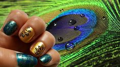 Nail art con pavone