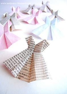 Paper dress origami tutorial from MeiJo's Joy. Origami Dress, Origami Paper, Diy Paper, Paper Art, Paper Crafts, Fun Origami, Origami Wedding, Money Origami, Fun Crafts