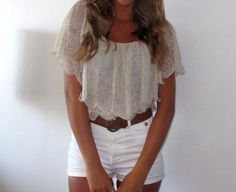 20 Ways to Wear High Waisted Shorts - Preppy. Lacy top tucked into white high waisted shorts. Trend Fashion, Fashion Outfits, Style Fashion, Fashion Ideas, High Fashion, Young Fashion, Hipster Fashion, Fashion Vintage, Fashion 2017