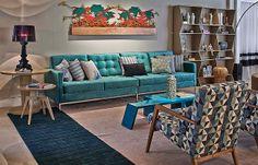 Muito utilizada em objetos pontuais, como almofadas, vasos e pequenos móveis, a cor vem ganhando espaço para ser usada no mobiliário de destaque (Jomar Bragança/Divulgação Lider Interiores )