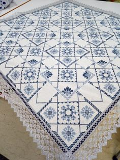 Cross Stitch Borders, Cross Stitch Designs, Cross Stitching, Cross Stitch Embroidery, Embroidery Patterns, Cross Stitch Patterns, Machine Embroidery, Palestinian Embroidery, Floral Tablecloth