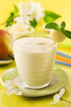 Este licuado de pera te mantendrá lleno durante el día y puede ser usado para el licuado de pera de la dieta detox.