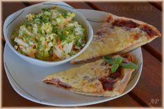Domácí pizza a salát ala coleslaw