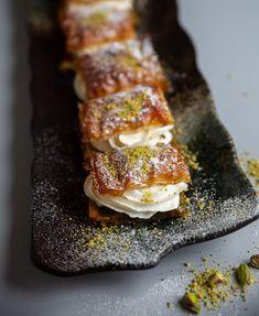 Baklavasemla - ZEINAS KITCHEN Cooking Recipes, Healthy Recipes, Swedish Recipes, Fika, Meal Planning, Deserts, Clean Eating, Paleo, Pork