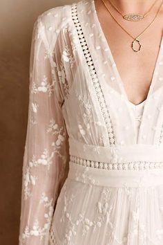 Нежная отделка платьев. 5