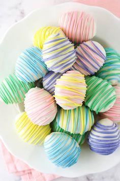 Easter Egg Oreo Cookie Balls Easter Cookie Recipes, Easter Cookies, Easter Treats, Oreo Cookies, Easter Deserts, Making Easter Eggs, Wilton Candy Melts, Oreo Flavors, Easter Season