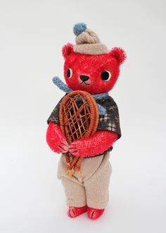 red teddy bear with snowshoes (FOX AND OWL: handmade toys) Tiny Dolls, Soft Dolls, Plush Dolls, Doll Toys, Embroidery Designs, Soft Sculpture, Sculpture Ideas, Fabric Toys, Living Dolls