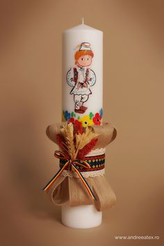 Lumânăre botez tradițională băiețel, pictată manual. Christmas Time, Christmas Crafts, Baptism Candle, Christmas Paintings, Decor Crafts, Christening, 1 Decembrie, Projects To Try, Cross Stitch