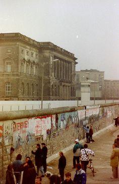 Berlin | Geteilte Stadt. Die Mauer. Dezember 1989