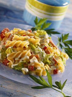 Nudel-Gemüse-Salat - smarter - Zeit: 40 Min. | eatsmarter.de