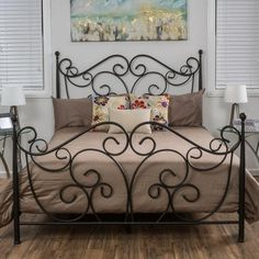 Diy Box Spring Bed Frame Pillows 36 Ideas For 2019 Wrought Iron Beds, Wrought Iron Decor, Shabby Chic Bed Frame, Shabby Chic Art, Box Spring Bed Frame, Shabby Chic Zimmer, Iron Furniture, King Furniture, Furniture Stores