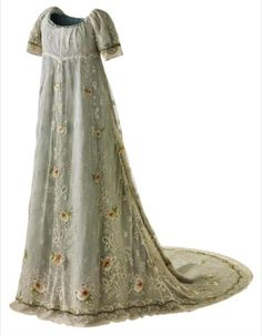 1804 court dress Historical fashion and costume design. Vintage Outfits, Vintage Gowns, Vintage Mode, Antique Clothing, Historical Clothing, Jane Austen, 1800s Fashion, Vintage Fashion, Women's Fashion