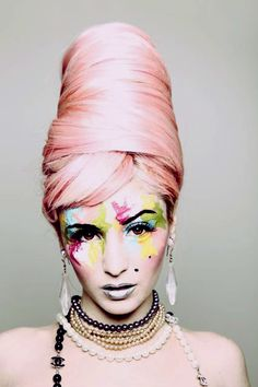 Audrey Kitching bee hive in Dreads, Avantgarde, Audrey Kitching, Color Rosa, Fantasy Makeup, About Hair, Big Hair, Hair Art, Look Fashion