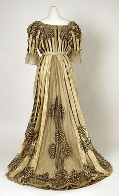 Dress (back view)  -  American  -  1902-04
