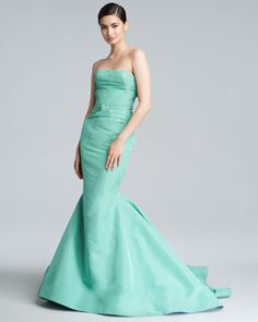 Zac Posen Silk Faille Mermaid Gown ~i love the seafoam color and the mermaid silhouette. Formal Gowns, Formal Wear, Strapless Dress Formal, Elegant Gowns, Elegant Wedding, Mermaid Skirt, Mermaid Gown, Zac Posen, Color Menta
