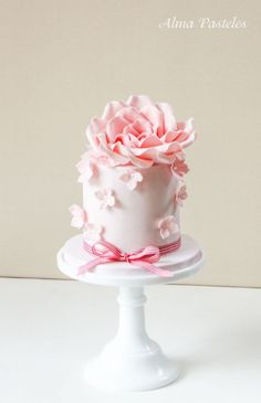 Weddbook is a content discovery engine mostly specialized on wedding concept. You can collect images, videos or articles you discovered organize them, add your own ideas to your collections and share with other people - Mother's day cake Gorgeous Cakes, Pretty Cakes, Cute Cakes, Amazing Cakes, Sweet Cakes, Mini Wedding Cakes, Wedding Cupcakes, Mini Cakes, Fondant Cakes