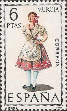 Esta es una foto de una estampa de el año 1969. En ella esta una mujer con traje tradicional de Murcia, España.
