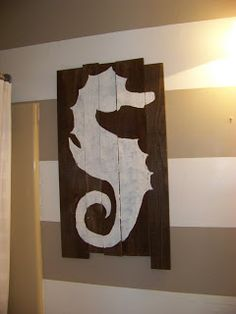 The Sunset Lane: DIY seahorse on pallet wood