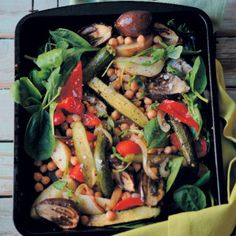 The Vegetable and Chickpea Tray Bake is heart-healthy and delicious to enjoy with family. Winter Food, Tray Bakes, Pot Roast, Food To Make, Vegetarian Recipes, Vegetables, Eat, Cooking, Healthy