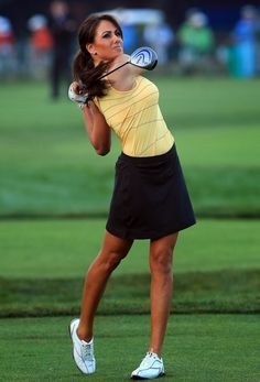Expert Golf Tips For Beginners Of The Game. Golf is enjoyed by many worldwide, and it is not a sport that is limited to one particular age group. Not many things can beat being out on a golf course o Ladies Golf Clubs, Best Golf Clubs, Girls Golf, Outfit Gym, Golf Outfit, Golf Attire, Club Outfits For Women, Clothes For Women, Humour Golf