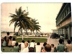 https://flic.kr/p/b5xNf | Primeiro Jumbo nos Guararapes Abr 1980 Lufthansa | Recife, PE, Brasil. Abril de 1980. Festa para os spotters.. Primeiro Jumbo a pousar no Recife.