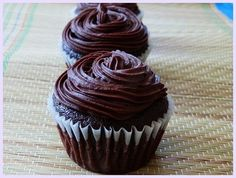 Eggless chocolate cupcakes recipe with step by step photos – These cupcakes are very soft, spongy and moist in texture. After having one bite, you won't believe that these are eggless cupcakes Eggless Chocolate Cupcakes, Eggless Desserts, Eggless Recipes, Eggless Baking, Vegan Desserts, Baking Recipes, Delicious Desserts, Chocolate Frosting, Egg Free Chocolate Cake