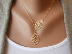 delicate leaf gold necklace- so pretty