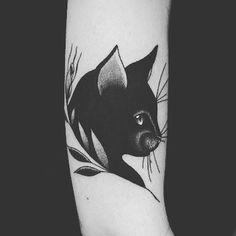 36 ideas cats design tattoo artworks for 2019 Baby Tattoos, Flower Tattoos, Body Art Tattoos, Cool Tattoos, Arm Tattoo, Sleeve Tattoos, Tattoo You, Petit Tattoo, Black Cat Tattoos