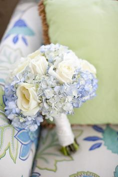 loving the #hydrangea and #rose #bouquet