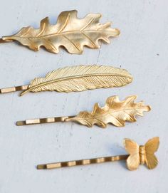 Items similar to Leaf Bobby Pin Set Autumn Gold Hair Pins Bridal Hair Clips Woodland Wedding Gift for Her Bridesmaid Gift Rustic Autumn Wedding Oak Leaf on Etsy Bridesmaid Accessories, Wedding Hair Accessories, Bridesmaid Jewelry, Rustic Bridesmaids Gifts, Bridal Hair Pins, Hair Wedding, Barrettes, Woodland Wedding, Autumn Wedding
