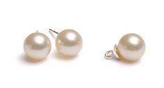 Cercei și pandantiv din perle Round cu baze din argint 925 #bijuterii #swarovski #swarovskicrystals #argint #simoshop Swarovski, Pearl Earrings, Pearls, Jewelry, Pearl Studs, Jewlery, Jewerly, Beads, Schmuck