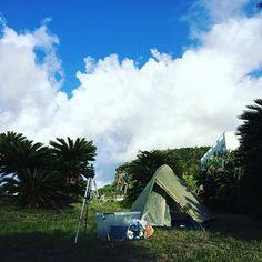 【korirusan】さんのInstagramをピンしています。 《東京から奄美へ友達が遊びに* 久しぶりに海辺でキャンプ(^_^) 自然の中で過ごす時間と、澄んだ空気の朝が最高です…♪( ´▽`) #海 #海辺 #キャンプ #camp  #自然 #奄美 #ヤドリ浜  #amami》