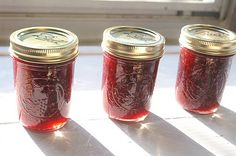 Raspberry Pepper Jelly 5 cups fresh raspberries 2 jalapeno peppers 1 bell pepper (red or green) 4 cups sugar 1/2 cup apple cider vinegar 1 package powdered pectin