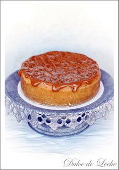 Dulce de leche cheesecake - love the cake stand! Cheesecake Recipes, No Bake Cake, Tiramisu, Camembert Cheese, Food Photography, Yummy Food, Sweets, Baking, Ethnic Recipes