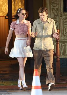 Movie date: Kristen and Jesse filmed a scene that showed them leaving a movie theatre...