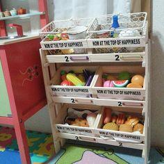 子供スペース/セリア/DIY/手作り/すのこリメイク/100均…などのインテリア実例 - 2014-12-12 10:19:08 | RoomClip(ルームクリップ) Diy Storage, Storage Chest, Cocinas Kitchen, Kids And Parenting, Diy For Kids, Playroom, Diy And Crafts, Kids Room, Cabinet