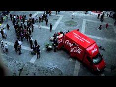 """Genial Spot de #CocaCola Italia """"Ceniamo insieme!"""" Que hambre me ha entrado :) #publicidad #Advertising"""