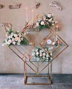 Wedding arch modern marriage ideas for 2019 Wedding Stage, Wedding Themes, Wedding Designs, Wedding Decorations, Trendy Wedding, Diy Wedding, Wedding Flowers, Wedding Planer, Geometric Wedding