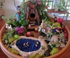 Linda Roberts's very detailed and colorful mini garden