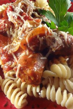 """Slow Cooker Sausage with Sauce 