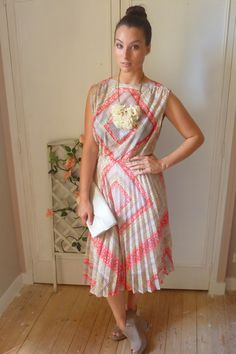 Statement Vintage Dress | Women's Look | ASOS Fashion Finder   http://rover.ebay.com/rover/1/710-53481-19255-0/1?ff3=4&pub=5575067380&toolid=10001&campid=5337422233&customid=&mpre=http%3A%2F%2Fwww.ebay.co.uk%2Fsch%2FDresses-%2F63861%2Fi.html%3FLH_ItemCondition%3D1000%7C1500%26_dcat%3D63861%26Brand%3DASOS%26rt%3Dnc%26LH_BIN%3D1
