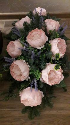 Beautiful Flower Arrangements, Floral Arrangements, Beautiful Flowers, Cemetery Flowers, Ikebana, Funeral, Floral Wreath, Wreaths, Crafts