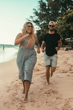 Ashlee Rose Hartley Ashlee Rose Hartley,Love this style…. Plus Size Bikini Bottoms, Women's Plus Size Swimwear, Curvy Swimwear, Oahu Hawaii, Over The Top, Hawaii Vacation Outfits, Plus Size Beach Outfits, Island Style Clothing, Curvy Bikini