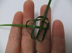 Braid a Celtic heart knot  -  DIY
