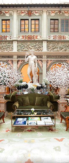 Lobby at the Four Seasons Florence — Très Haute Diva Italian Life, Italian Summer, Italian Style, Hotels And Resorts, Best Hotels, Luxury Hotels, Spain Honeymoon, Hotel World, Places In Italy