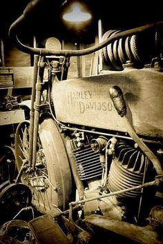 A time when a Harley looked good. :-)