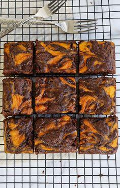 Marble pumpkin brownies